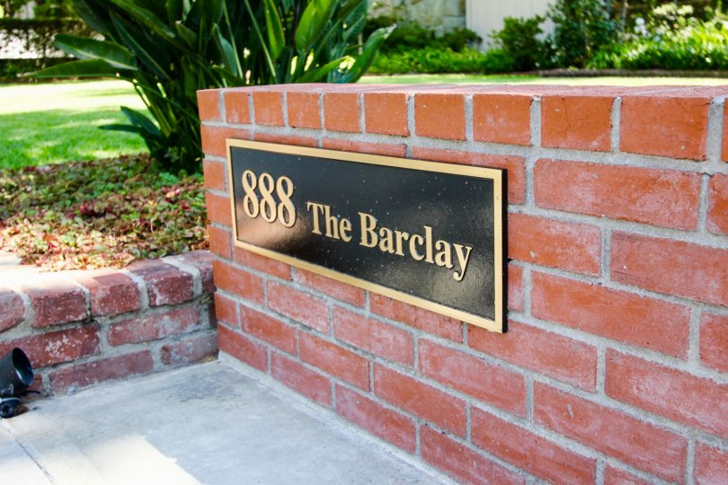 The nameplate outside of The Barclay in Pasadena, California