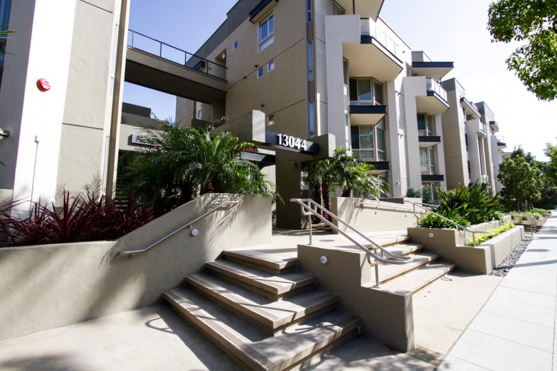 The stairs up to the Promenade Playa Vista