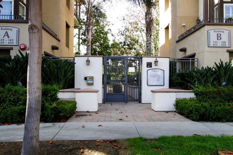 The entrance into Serenade