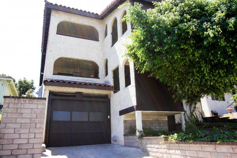 The garage at 835 W Sepulveda St in San Pedro California