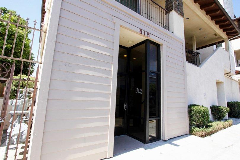 The entrance into The Grand View in San Pedro California