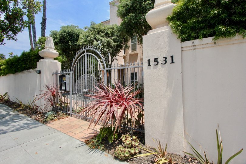 A big house in 1531 12th St image only show as the gate of the house. The also appear niece