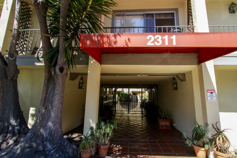 The entrance into 2311 4th Street in Santa Monica