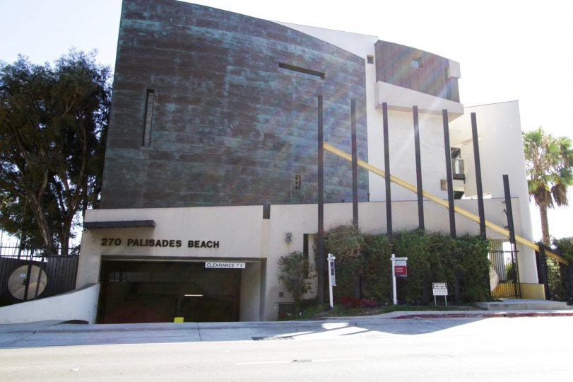 The front of the building at 270 Palisades Beach in Santa Monica
