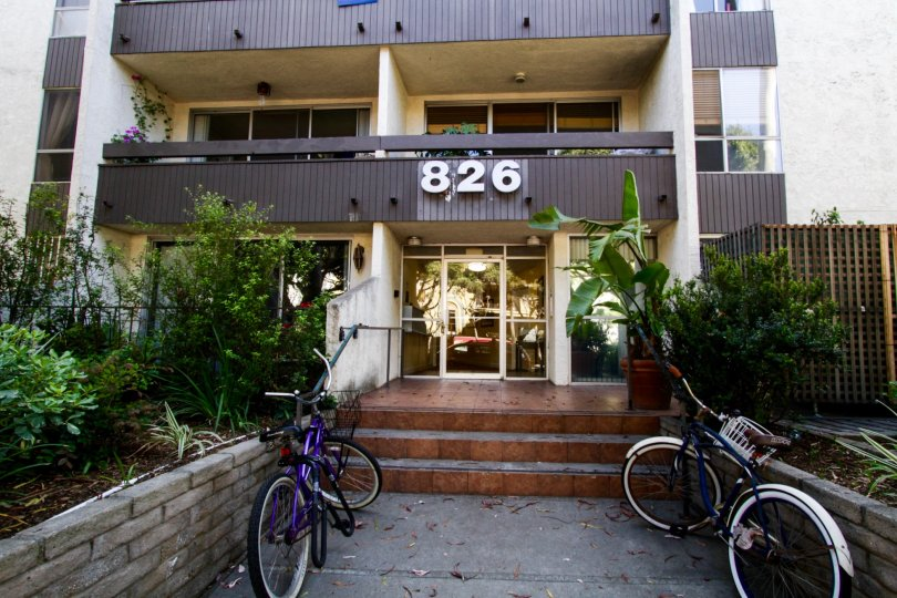 The entrance into 826 2nd Street in Santa Monica