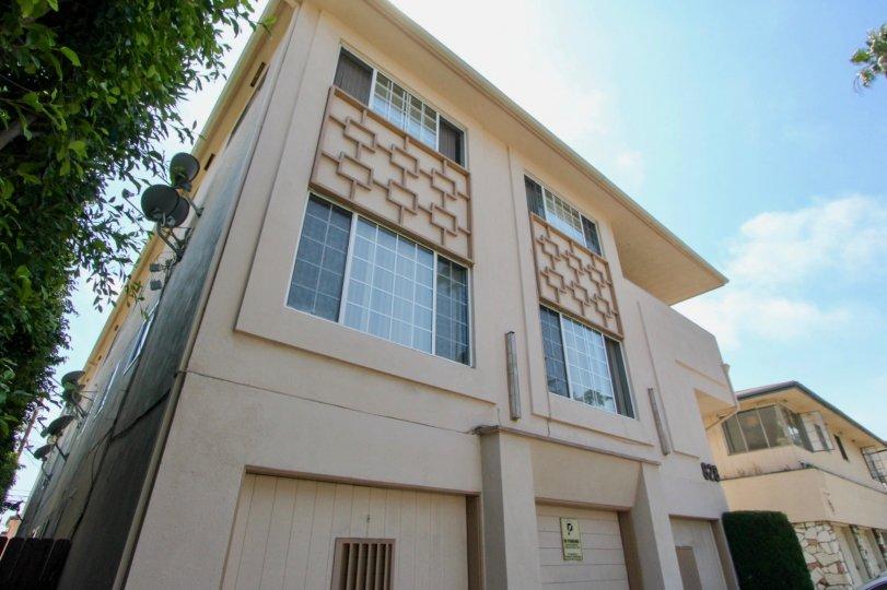 awesome high rise at 828 Lincoln, Santa Monica, california