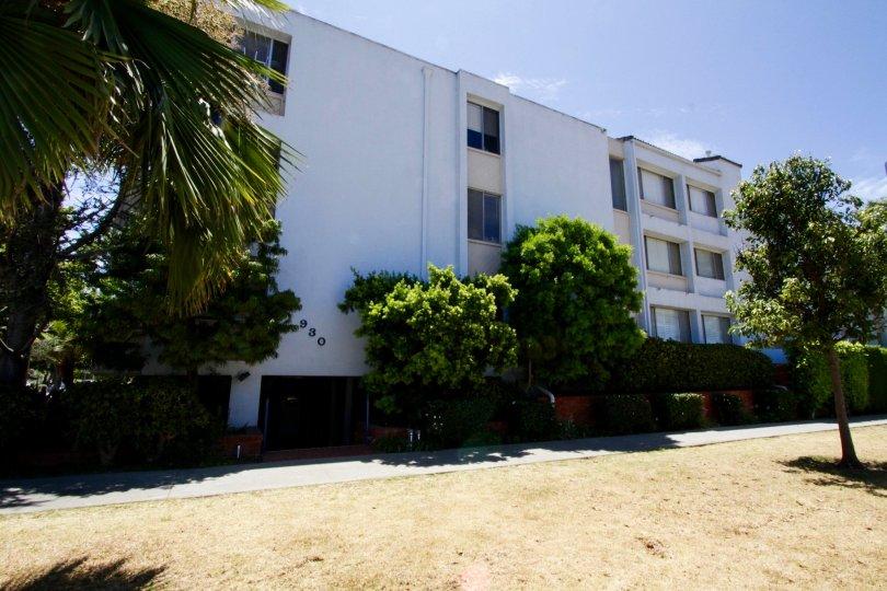 The Elegance Santa Monica building in Santa Monica