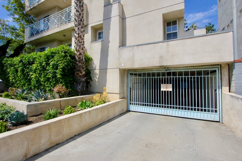 Condos with parking in the Beautiful Imperial community of Santa Monica, CA