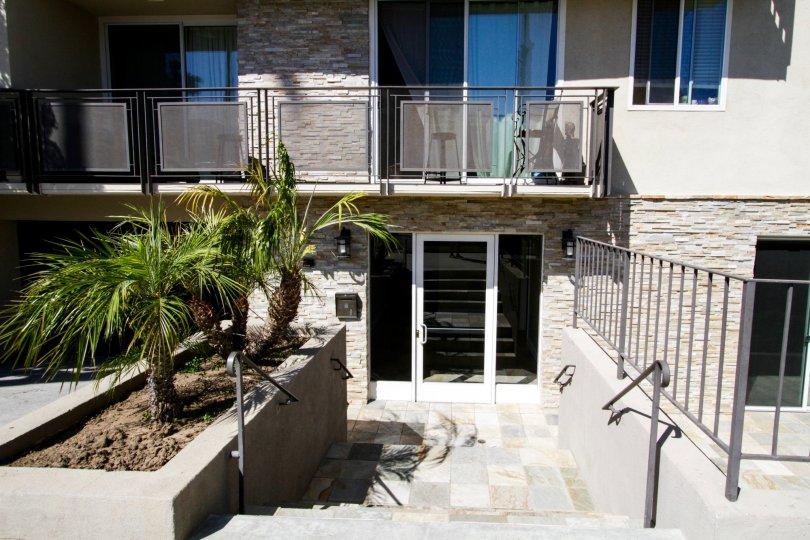 The entrance into Lark Villas