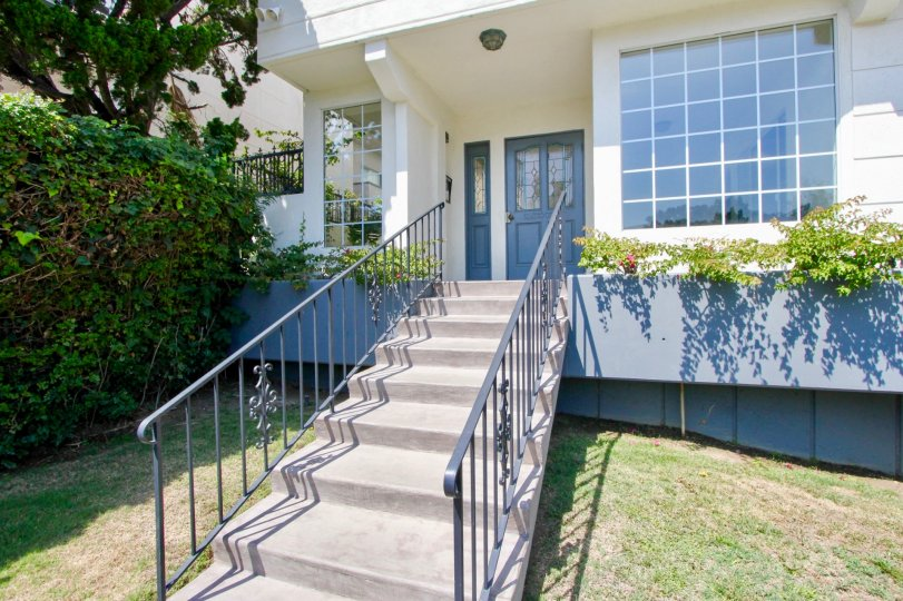 The mega looks and stairs of Lincoln Manor apartment, Santa Monica, California