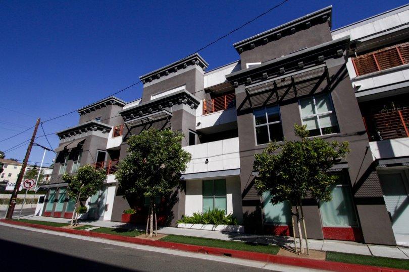 The building at Sailhouse Lofts in Santa Monica