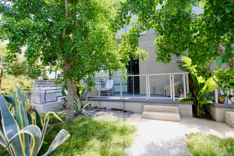enjoy the lofts in the beautiful and scenic Santa Monica