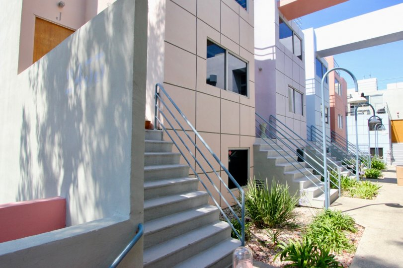 A stylish and best home to live modern in suntech townhtownhomes Santa Monica California