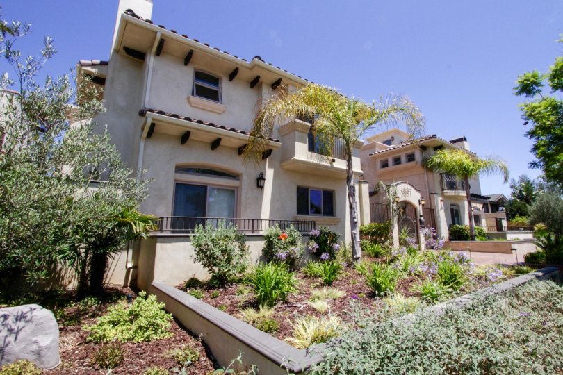The gorgeous view of Twelve Street Townhomes in Santa Monica