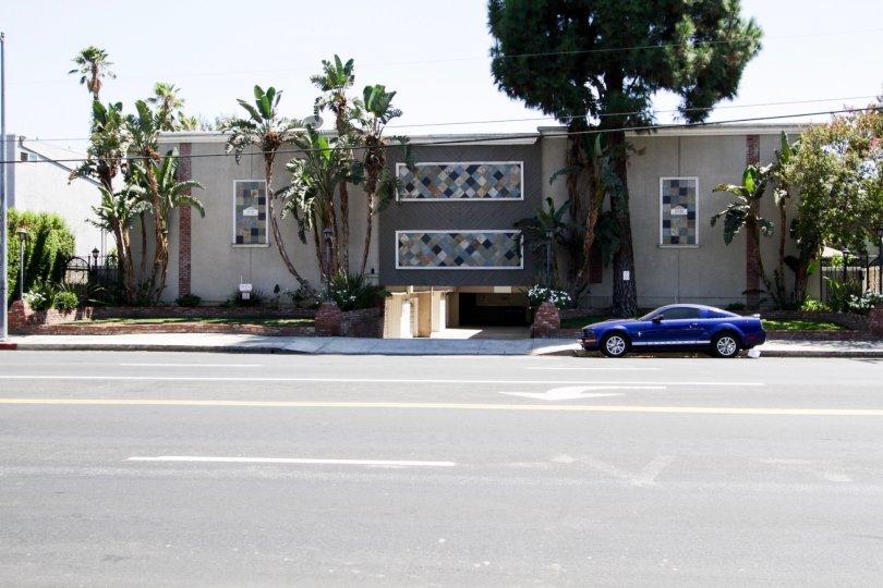 The buildling at 14144 Burbank Blvd in Sherman Oaks