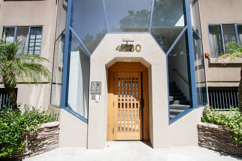 The entrance into 4230 Stansbury Ave in Sherman Oaks