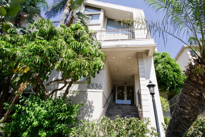 The entrance into Colbath Townhomes Ave in Sherman Oaks