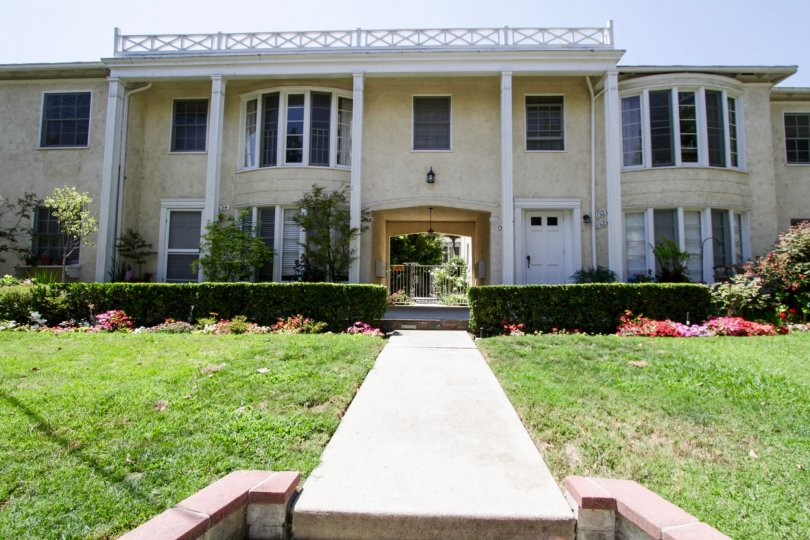 The beautiful architecture of Dickens Street Gardens in Sherman Oaks