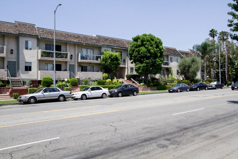 The Knollwood Villas in Sherman Oaks