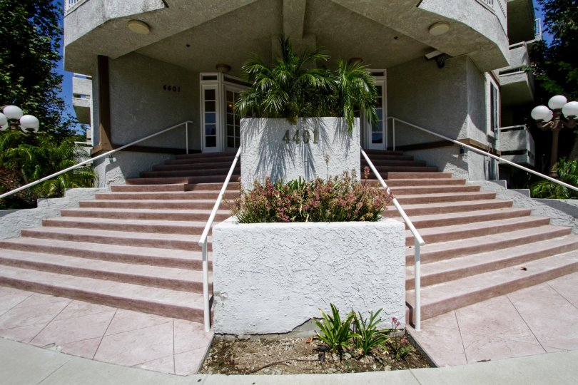The stairs leading up to Oaks at Sepulveda