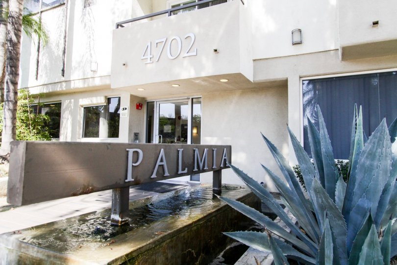 The sign welcoming you into the Palamia Condominiums
