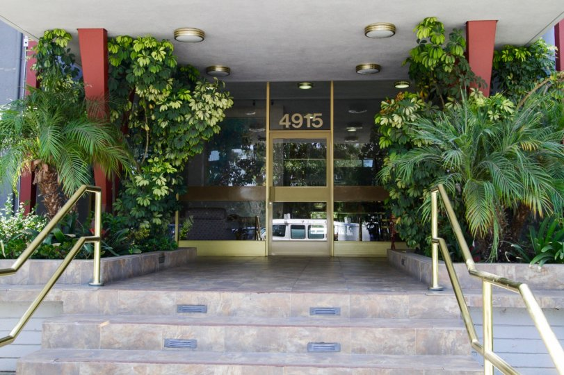 The entrance into Parkridge in Sherman Oaks.