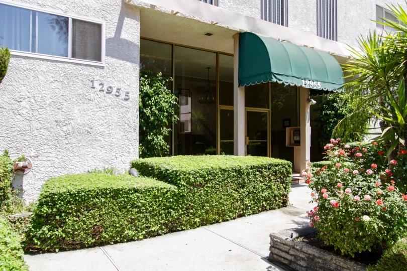 The entrance into Riverside Arms in Sherman Oaks