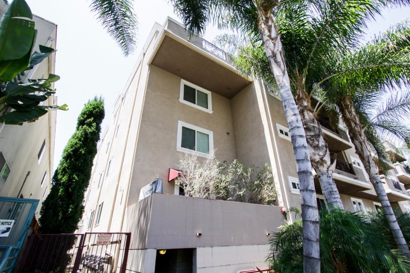 The side entrance into Sierra Heights Condominiums