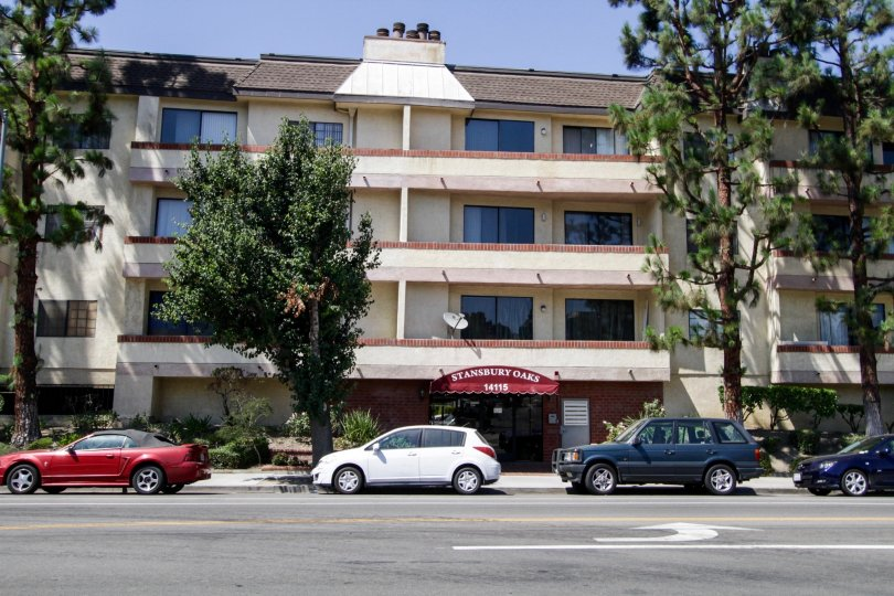 The Stansbury Oaks building in Sherman Oaks