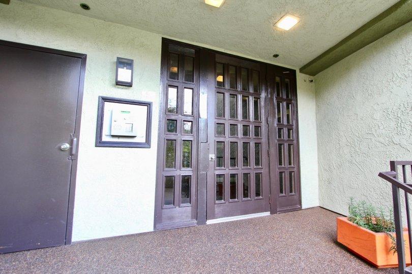 The entrance into Cedar Lodge