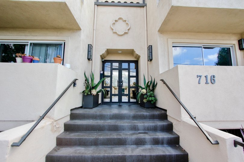 The entrance into Silver View Townhomes in Silver Lake, California