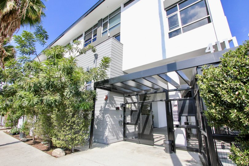 The entryway into Sunset Silver Lake Lofts in Silver Lake, California