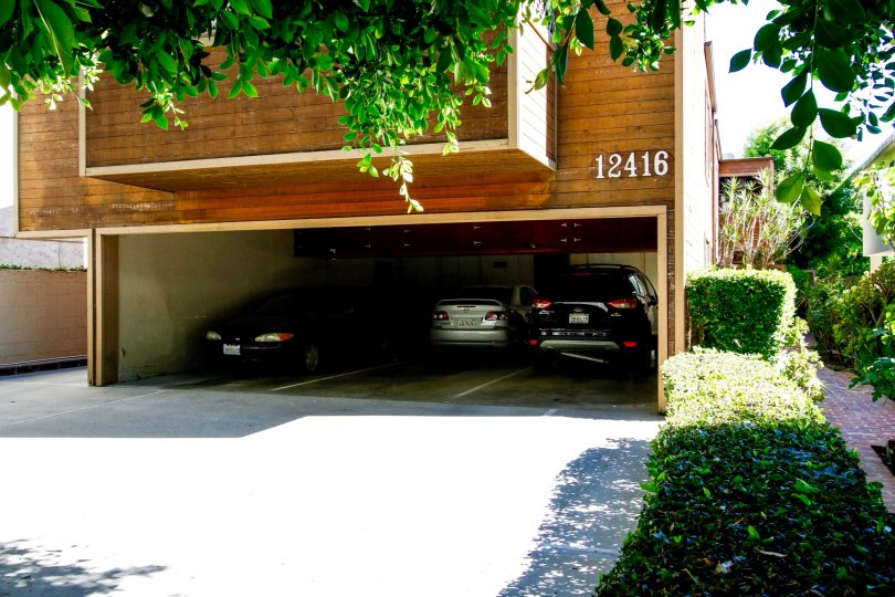The parking for 12416 Moorpark St