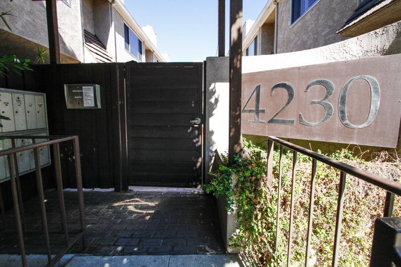 The address written on the building at 4230 Whitsett Ave in Studio City