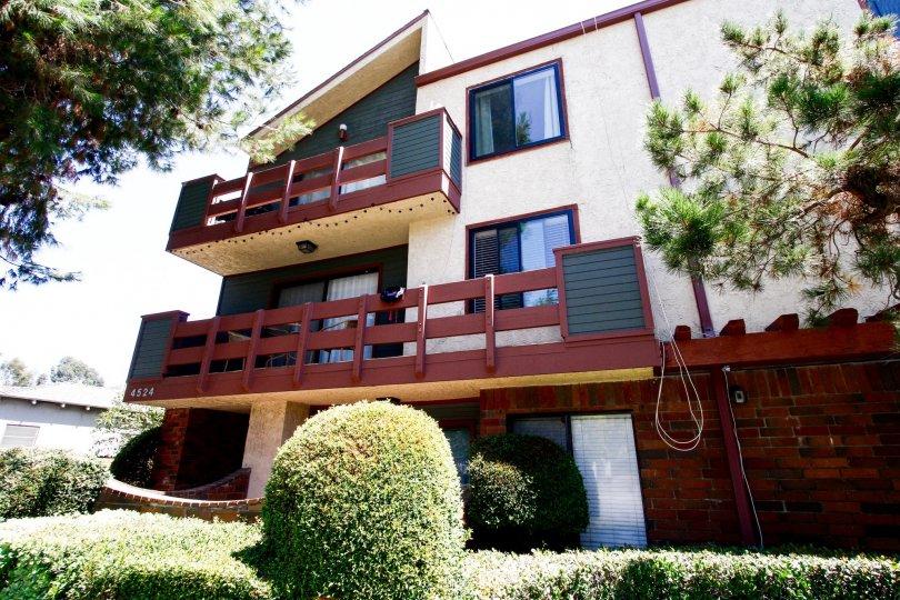The balconies seen at 4524 Tujunga Ave in Studio City