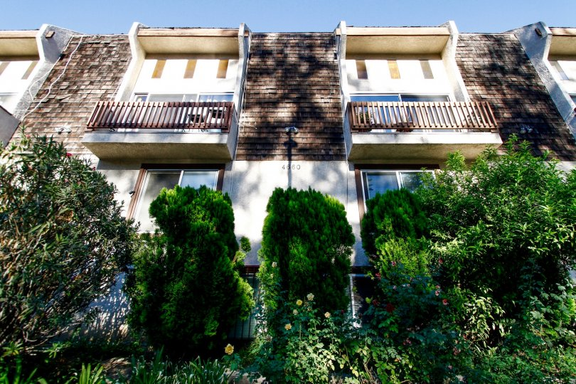 The balconies at 4660 Coldwater Canyon Ave in Studio City