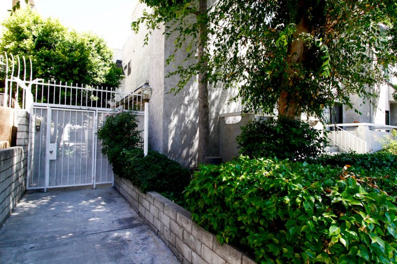 The side entrance into Colfax Gardens in Studio City