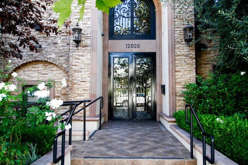 The entryway up to the Hoffman Grove in Studio City