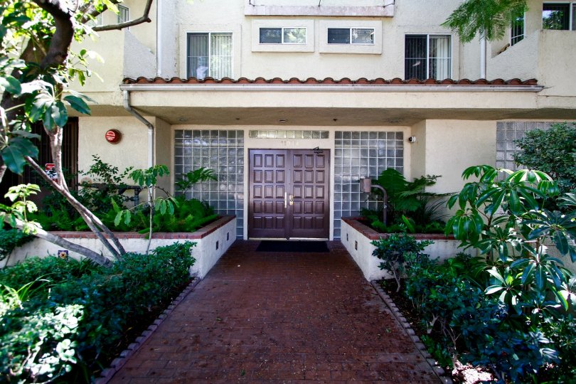 The entryway into Studio City Regency in Studio City