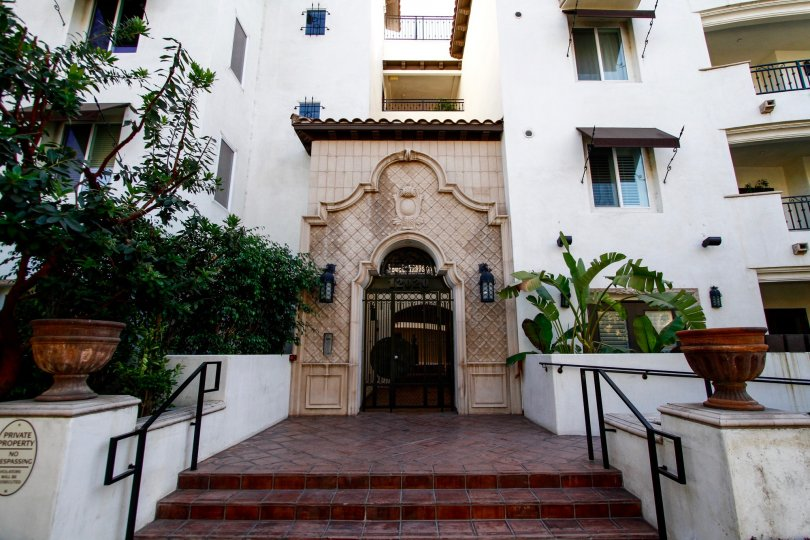 The entrance into Studio Villas West in Studio City