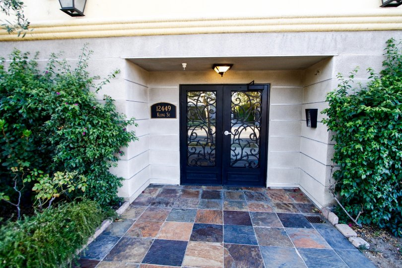 The entrance into Villa Tuscana in Studio City