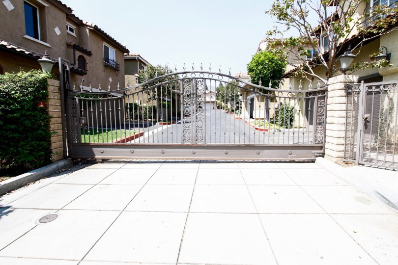 The gate to enter into the property at 29 Mountain View