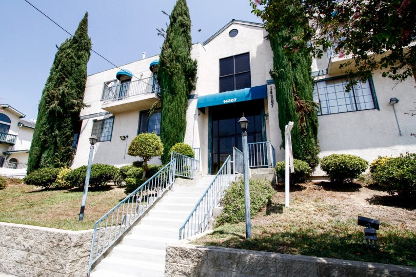 The etnrance into Foothill Townhomes in Sylmar California