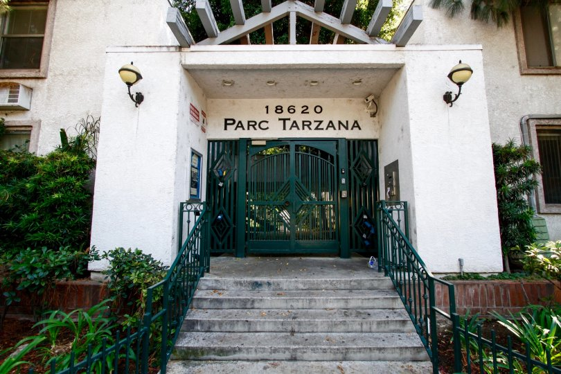 The name of Parc Tarzana in CA California