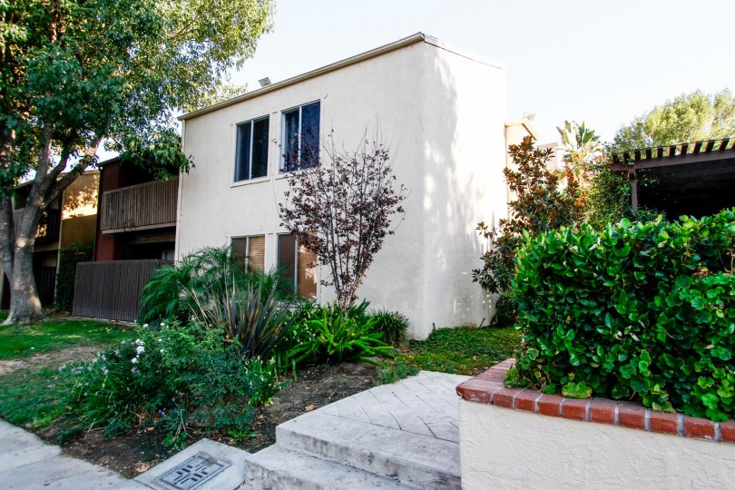 The landscaping around Tara Village in CA California