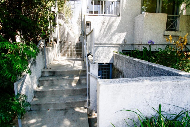 The stairs leading up to 15153 Burbank Blvd