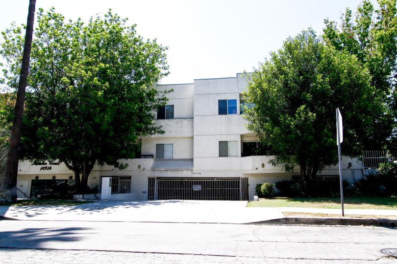 The Hamlin Court building in Van Nuys