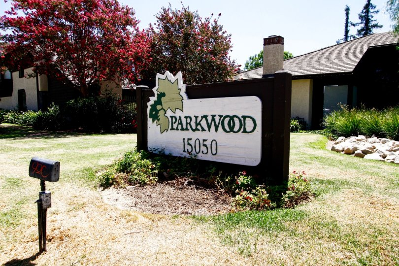 The sign announcing the Parkwood Van Nuys