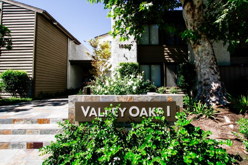 The sign announcing Valley Oaks I