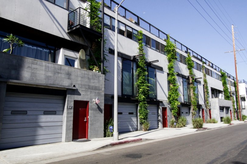 The Electric Avenue Lofts building in Venice